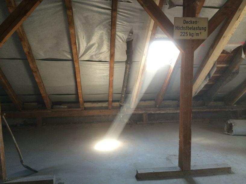 Schutthaufen Dach 4